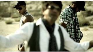 دانلود موزیک ویدیو فصل سرخ (با ویکا) سامان
