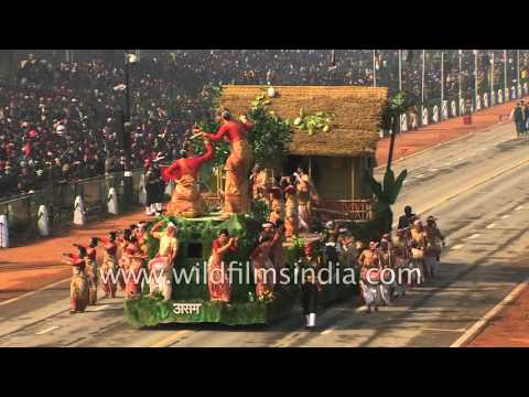Republic Day tableaux from the states of India : Uttar Pradesh and Assam