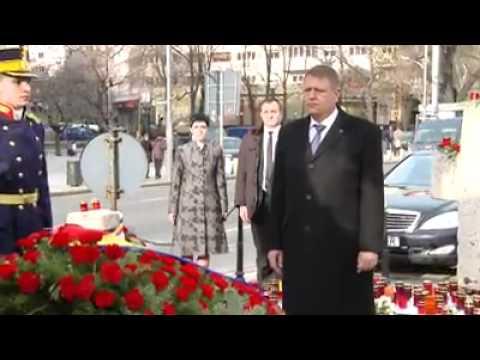 Klaus Iohannis a depus o coroană de flori în amintirea victimelor Revoluției