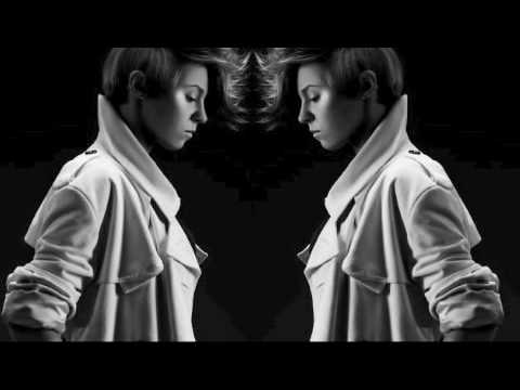 Tekst piosenki La Roux - As If By Magic po polsku
