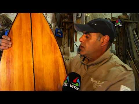 Prancha de surf artesanal na Vila Nova