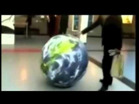 Funny Fail : Ball Owns Kid (видео)