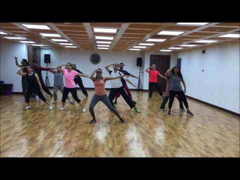 Video UAE Thumakda Bolly-hop Workshop, Song 1 - Baby Ko Bass Pasand Hai download in MP3, 3GP, MP4, WEBM, AVI, FLV January 2017