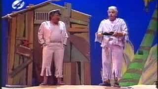 Video Andre van Duin Revue 1993: Het Onbewoond Eiland MP3, 3GP, MP4, WEBM, AVI, FLV Mei 2017