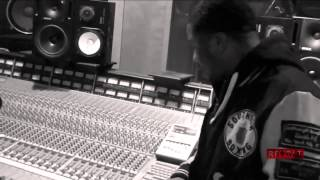 "Just Blaze - Making Of ""Public Service Announcement"" With Jay Z"