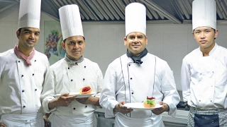 HOSPITALITY MANAGEMENT:Career and options in Hotel Management   होटल मैनेजमेंट में बढ़ते करियर अवसर