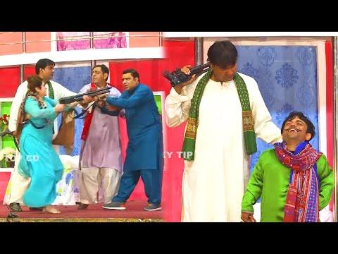 Vicky Kodu and Saira Mehar   Qaiser Piya   New Stage Drama 2021   Sab Tu Sohni   Comedy Clip 2021