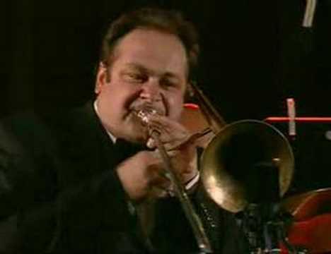 Vienna Art Orchestra plays