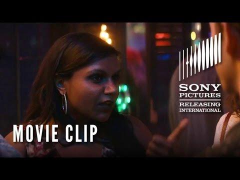 The Night Before (Clip 'Karaoke Bar')