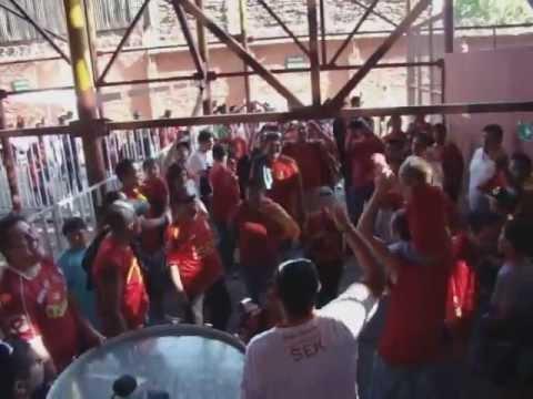 Cantar hasta quedar sin Voz - FuriaRoja - Fúria Roja - Unión Española