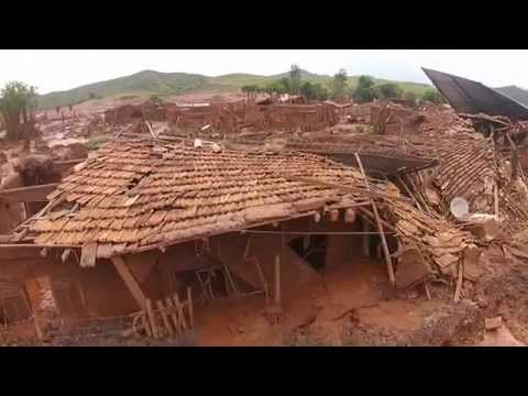 Imagens feitas com drone mostram cenário de destruição