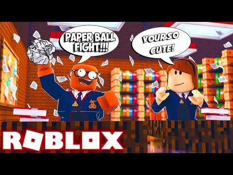 I Started A PAPER BALL FIGHT In Roblox!  (I Won In Roblox Paper Ball Simulator)