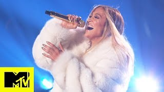 "Video Jennifer Lopez Performs ""Dinero,"" ""I'm Real,"" and More MTV VMAs 