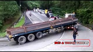Video TRUCK TRAILER PECAH RADIATOR SAAT NANJAK SITUNJAU LAUIK MP3, 3GP, MP4, WEBM, AVI, FLV Februari 2019