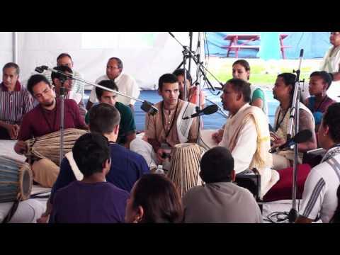 Video Bhajan - Nitai das - Toronto Ashtaprahar 24hr Kirtan - 2 download in MP3, 3GP, MP4, WEBM, AVI, FLV January 2017