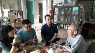 Ông Vân đã hơn 80 tuổi vẫn còn giữ công thức làm Hồ men bí truyền với 40 loại thảo dược Bắc và Nam để cho ra loại rượu độc đáo Phú Lễ đã 100 năm