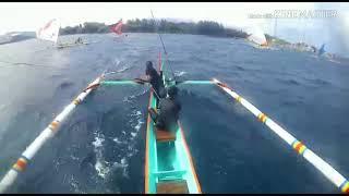 Download Video Ganasnya selat bali lomba perahu layar di pantai warudoyong bulusan 28-29 juli 2018 MP3 3GP MP4