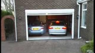 Jak zaparkować dwa samochody w małym garażu!