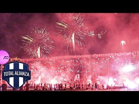 [HD] Espectacular Recibimiento de ALIANZA LIMA en la Noche Blanquiazul 2015 - Comando SVR - Alianza Lima
