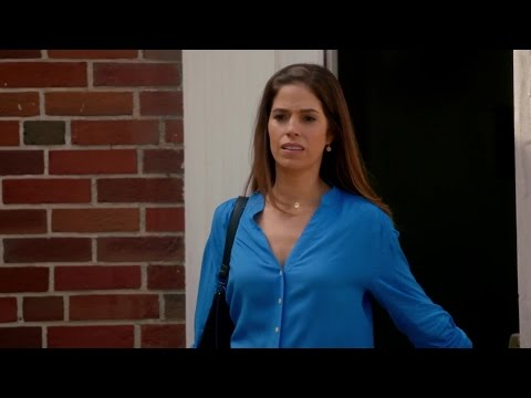 Devious Maids S01E09 Scrambling the Eggs