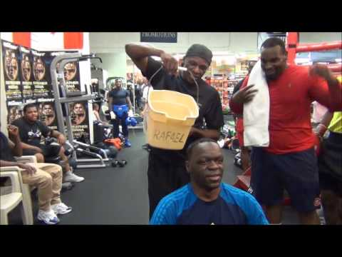 Floyd Mayweather gives Jeff Mayweather the ALS