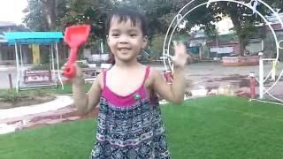 [Video] Minh Thu chơi mẫu giáo - 08/08/2016