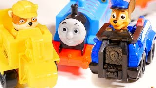 Paw Patrol toys 🐶 build toy railwais 🛤 for Thomas the train 🚂 on #TToyZZ toys channel! Watch toy videos and toy train videos with 🐾 Paw patrol Chase, Paw patrol Zuma and Paw patrol Rubble and toy train Thomas. Build train tracks for children and try train on tracks! 🐕 Paw Patrol and Thomas & Thomas and friends on #toyschannel.Find us in VK https://vk.com/kidsfirsttvFacebook https://www.facebook.com/KidsFirstTVand https://www.facebook.com/KapukiKanukiWelcome to the #ttoyzz channel! Play with #toysforboys and #toysforgirls. Watch #toyschannel with differents toys: #tayolittlebus toys, #legotoys and other toys for boys and girls.Subscribe here https://www.youtube.com/c/TToyzz and play with toys!Tayo the little bus English cartoon for kids and find Tayo English stories here https://www.youtube.com/watch?v=AecrvXLwZJc&list=PLcydIP1OHtnyY9-qObw5Y-i64bkOlovli