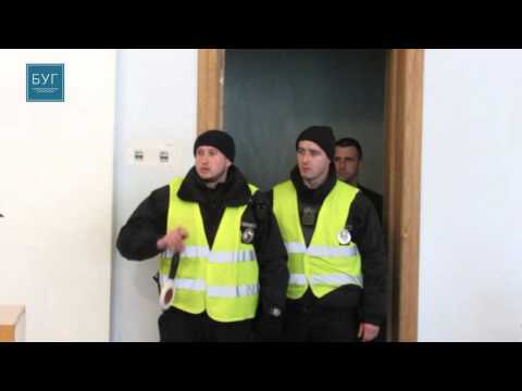 На Волині двох депутатів правоохоронці вивели під час сесії [ВІДЕО]