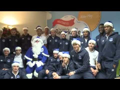 Video: The Everton squad visit Alder Hey children's hospital