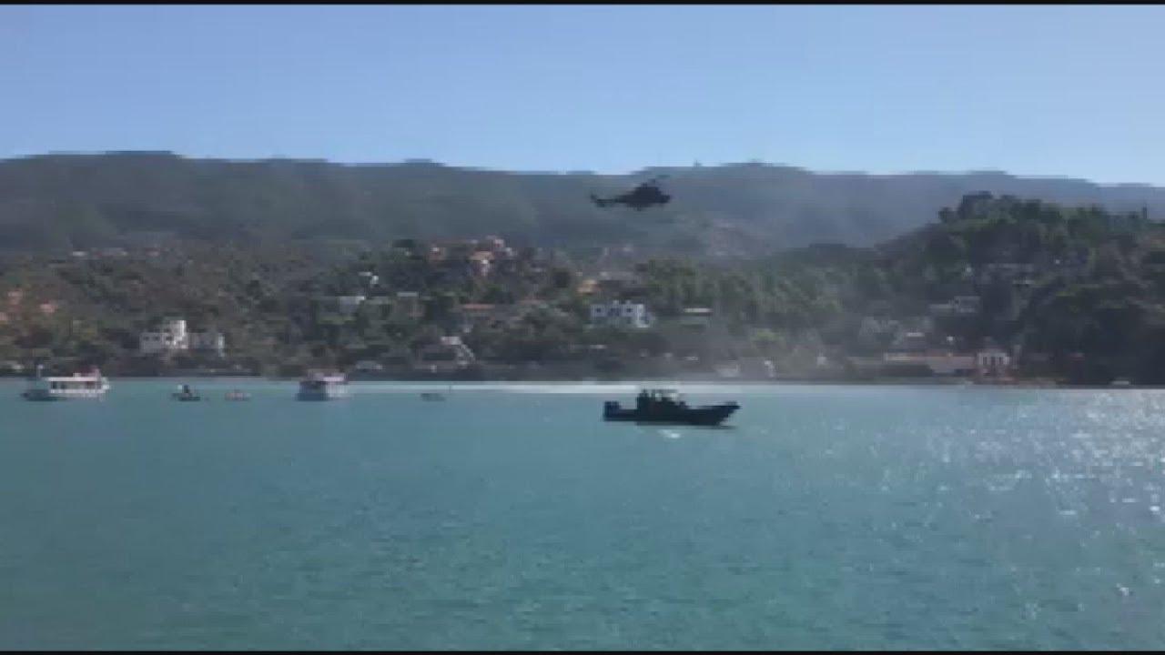 Πολιτικό ελικόπτερο κατέπεσε στη θάλασσα, νότια του λιμανιού του Πόρου