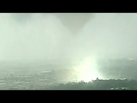 Supercell storm hits Kansas City, Missouri