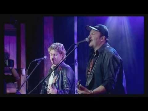 Blackie Swart – Tel op jou Voetjies (Live)