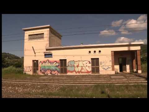 Vecchia stazione di Olmo sempre piu' nel degrado