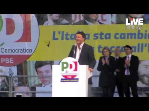 Renzi, tra contestazione e applausi VIDEO