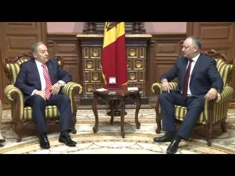 Igor Dodon signed decree on awarding former Turkish ambassador to Moldova