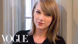 Video 73 Questions With Taylor Swift | Vogue MP3, 3GP, MP4, WEBM, AVI, FLV Mei 2018