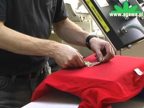 Kolorowa koszulka z nadrukiem – wykonanie nadruku