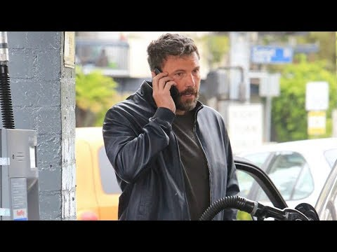 EXCLUSIVE - 'Daredevil' Ben Affleck Dangerously Pumps Gas While Using Cell Phone