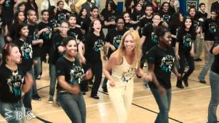 Video Beyonce surprises students - Let's Move! Flash Workout for New York City MP3, 3GP, MP4, WEBM, AVI, FLV Februari 2019