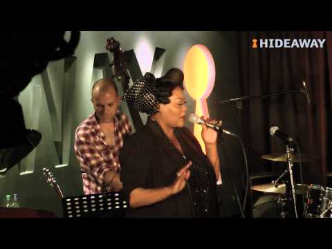 Nicola Emmanuelle live at DIVA! @ Hideaway, London's top live music venue (видео)
