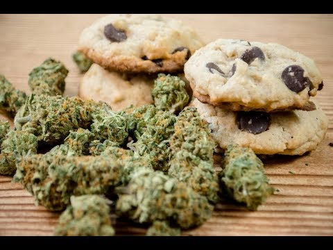 3 Pros and 3 Cons of Eating Edibles (видео)