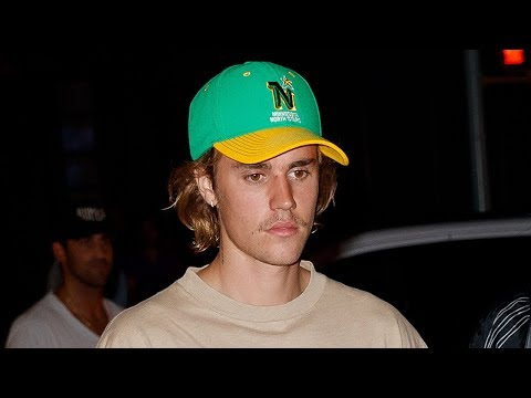 Video Justin Bieber Tries SHADING Selena Gomez With Picture! Hailey Baldwin WORRIED! download in MP3, 3GP, MP4, WEBM, AVI, FLV January 2017