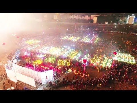 العرب اليوم - شاهد: مهرجان المصابيح يزين سماء الصين