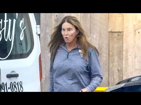 Fresh-Faced Caitlyn Jenner Grabs Take-Out In Malibu