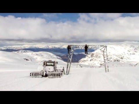 Štart sezóny na ľadovci Fonna Glacier v Nórsku - s viac ako 8 metrami snehu!