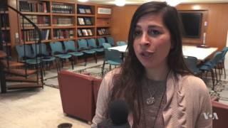 Syrian Refugees Earn Money Teaching Arabic Online