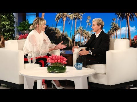 Portia Gives Ellen One of the Best Birthday Presents Ever (видео)