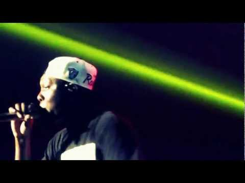 """I'm so heavy, I'm on point all day"" Check out @DizzeeRascal @Pukkelpop's Marquee tent. #pkp12 [video]"