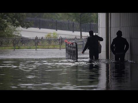 Μόσχα: «πορτοκαλί» συναγερμός λόγω βροχοπτώσεων