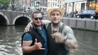 Popek pływa łódką po Amsterdamie, a kumpel gra hejnał Mariacki!